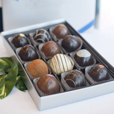 Gift Box of 12 Truffles